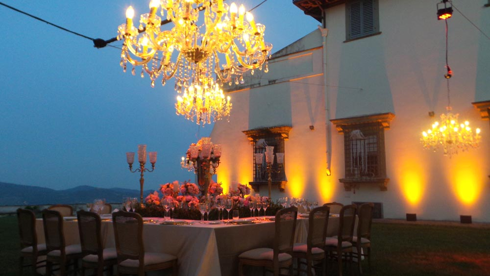 Chandeliers wedding settings tuscanbites catering