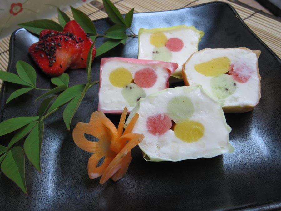 Gelato sweet cake in asian style