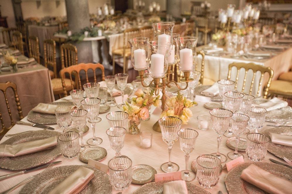 Gold white classic tuscanbites setting