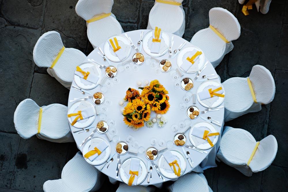 Sunflower style settings tuscanbites