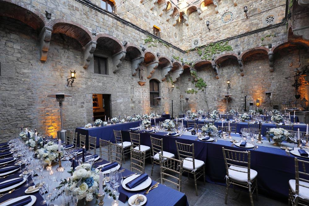 Wedding table arrangement Tuscanbites catering