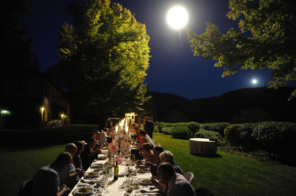 artificial Moon light for reception settings outdoor