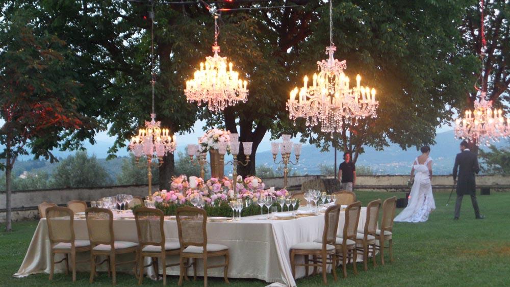 chandeliers reception on ground tuscanbites