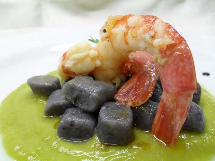 Potatos gnocchetti purple shrimps and artichokes
