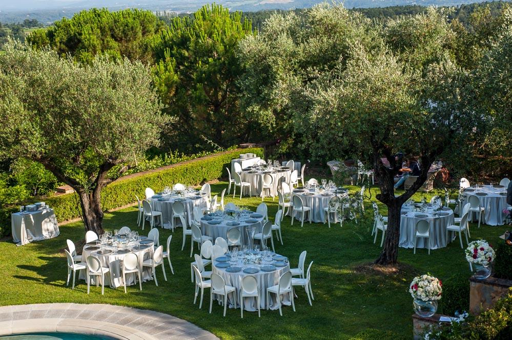 olive trees reception settings tuscanbites