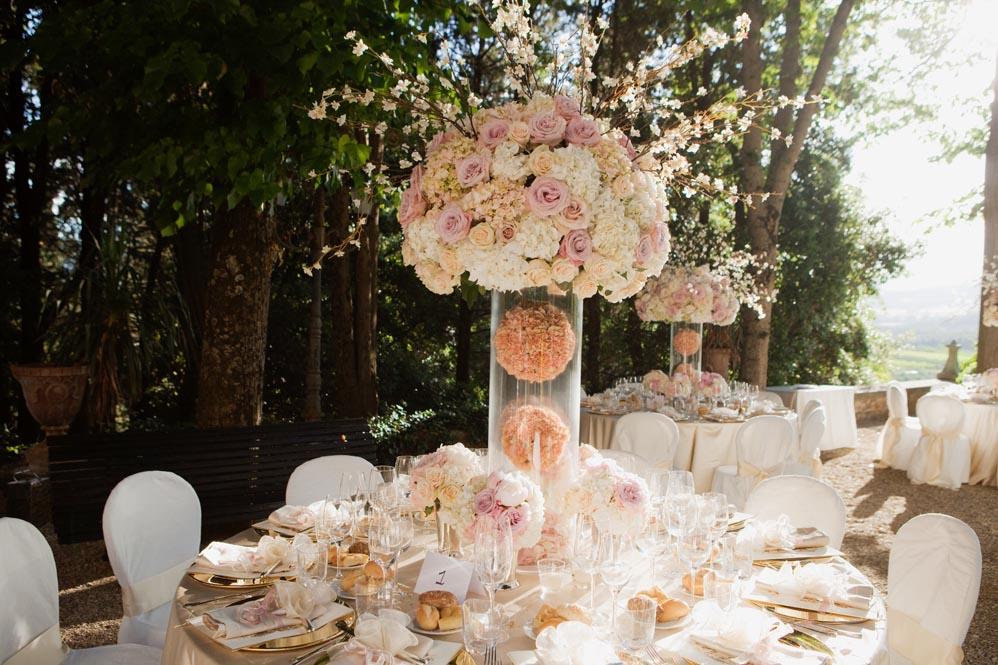 reception setting colored flowers tuscanbites