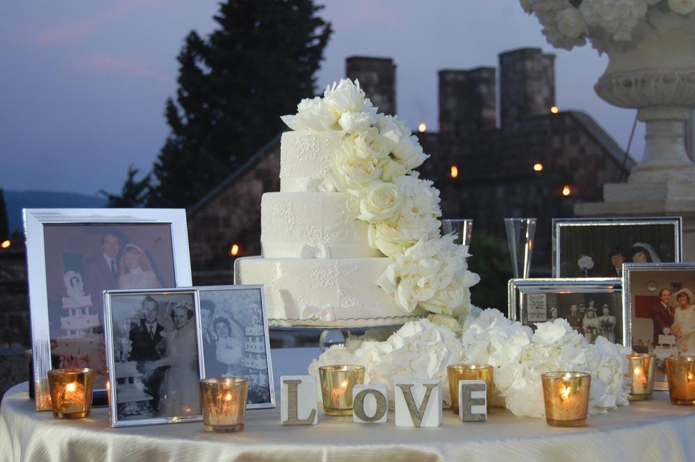 wedding cake display tuscanbites catering